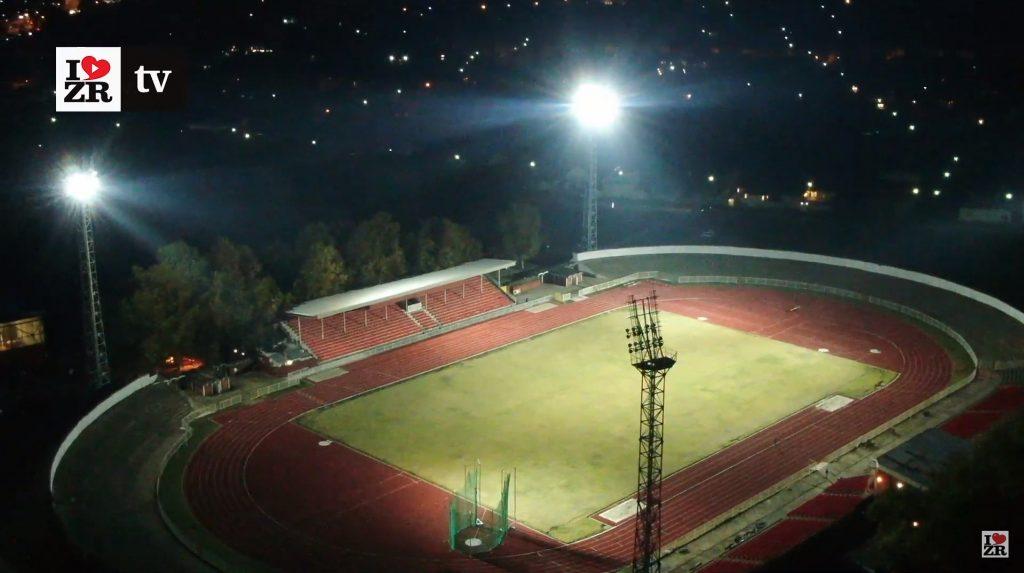 Atletski stadion u Zrenjaninu pod reflektorima