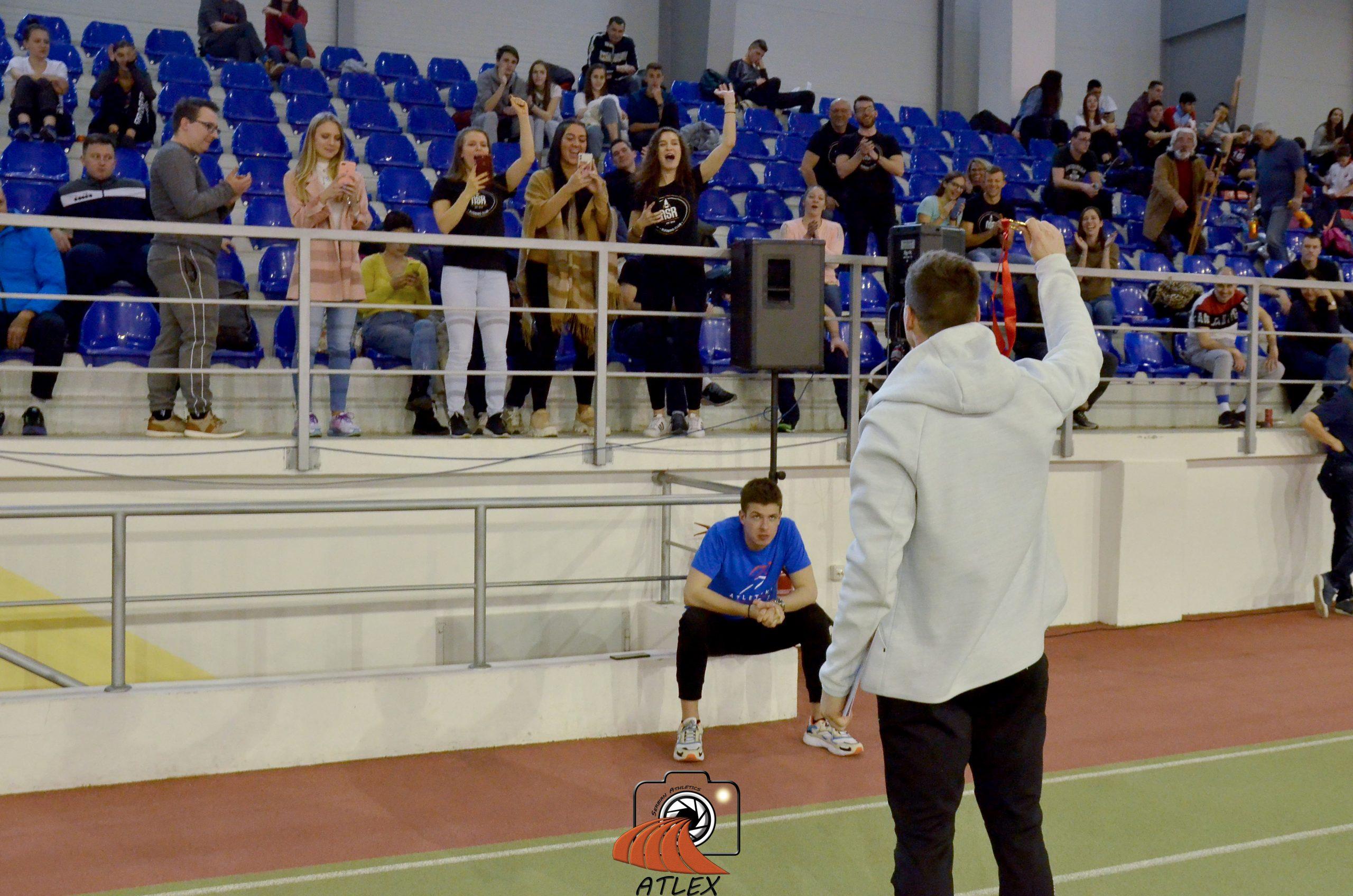 Mihail Dudaš sa navijačim