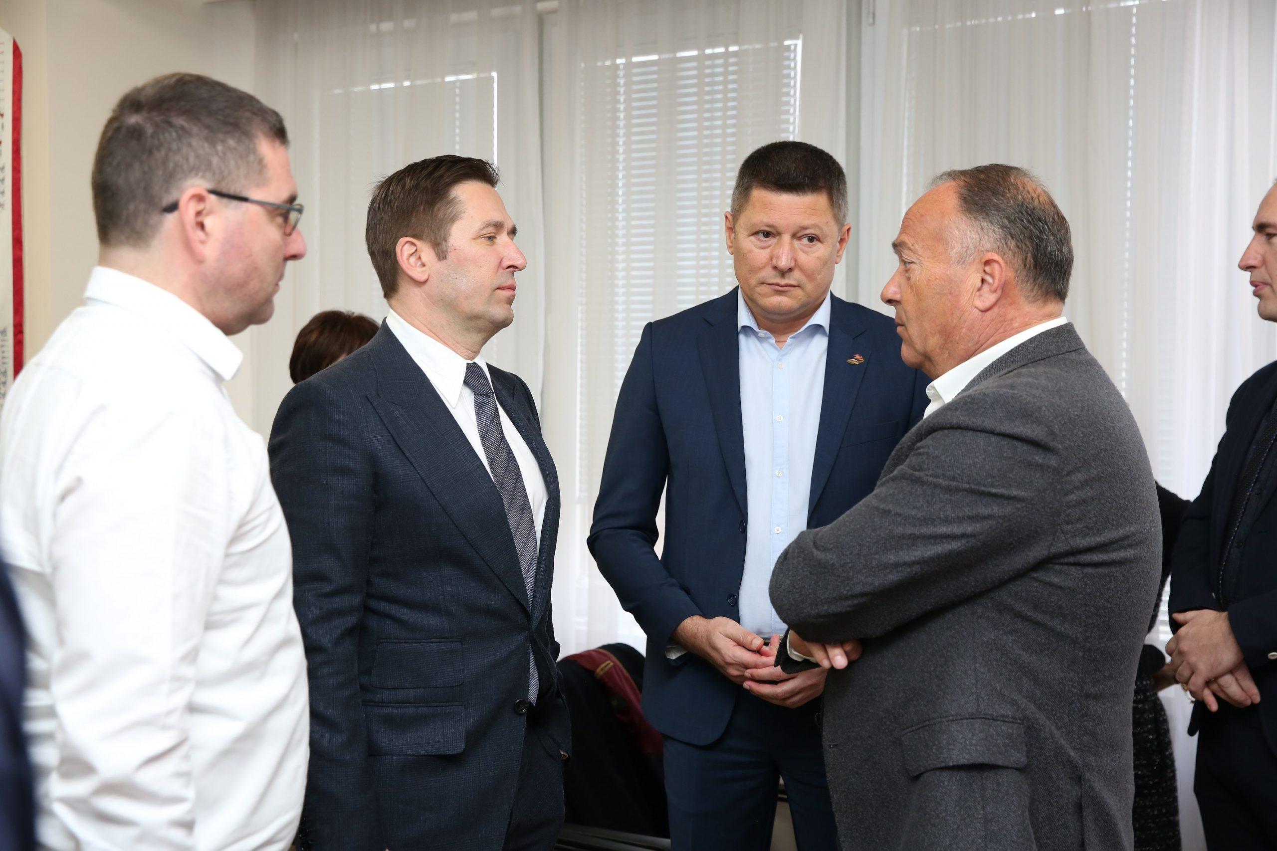 Ugovor o ulasku atletike u osnovne škole, Stošić, Jevrosimović, Branković, ministar Šarčević