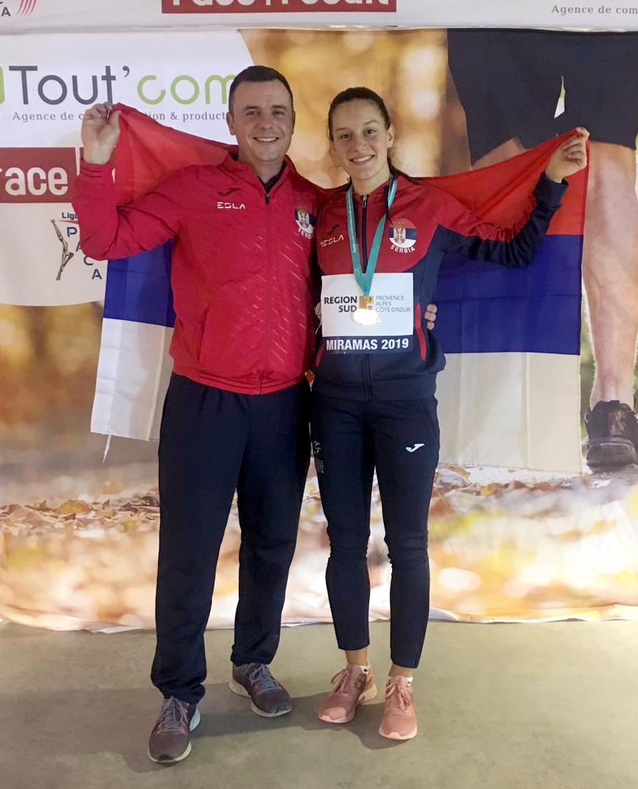 Anja Lukić zlatna medalja na 60 metara sa preponama na Mediteranskom šampionatu sa svojim trenerom Slobodanom Stojićem