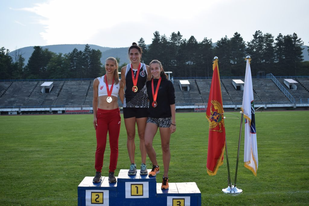 Berane 2019 - 400m devojke, Dajana Petković, Bojana Kaličanin