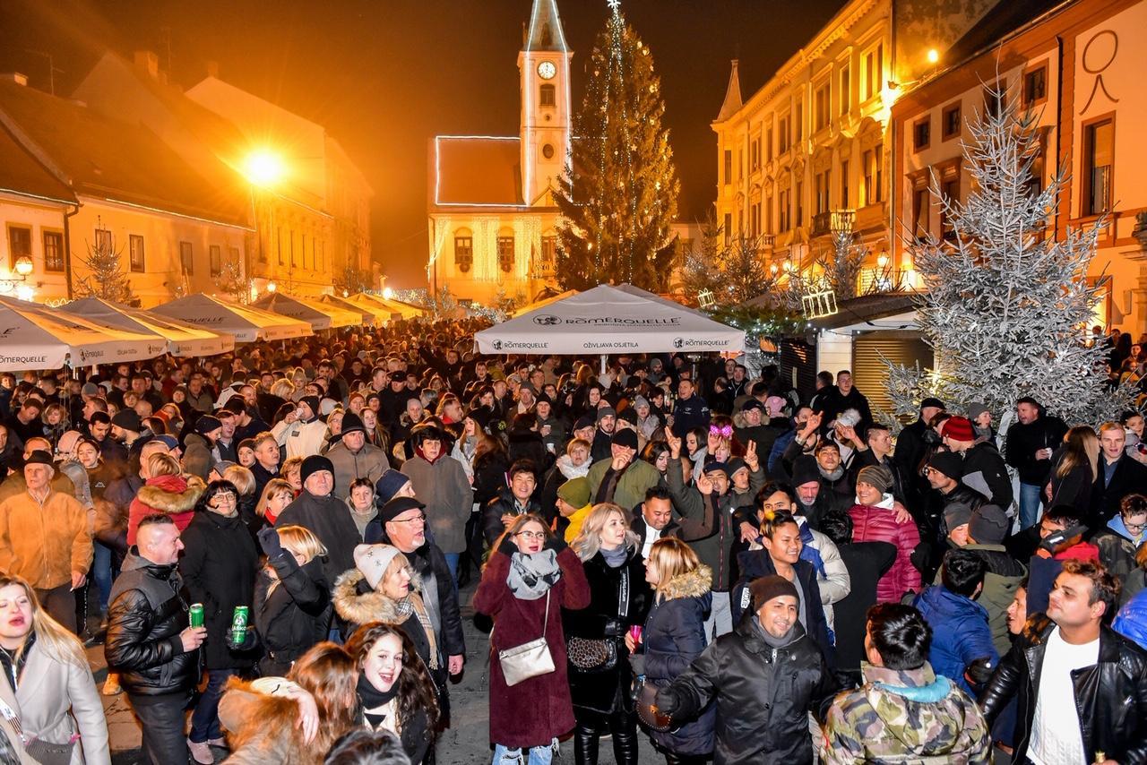 Pun gradski trg u Varaždinu za 42. Novogodišnju trku i doček nove godine