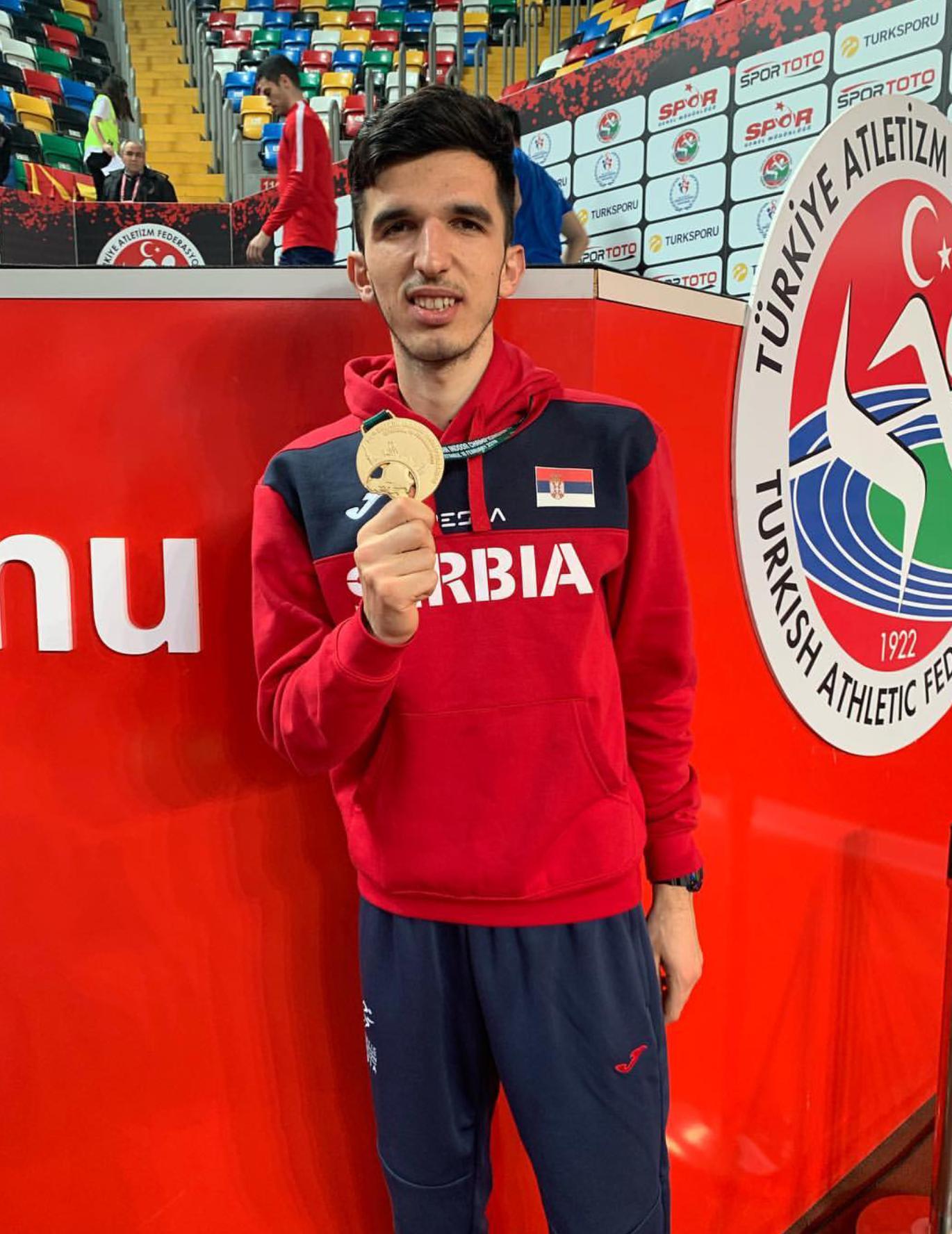 Elzan Bibić, zlatna medalja na dvoranskoj balkanijadi 2019