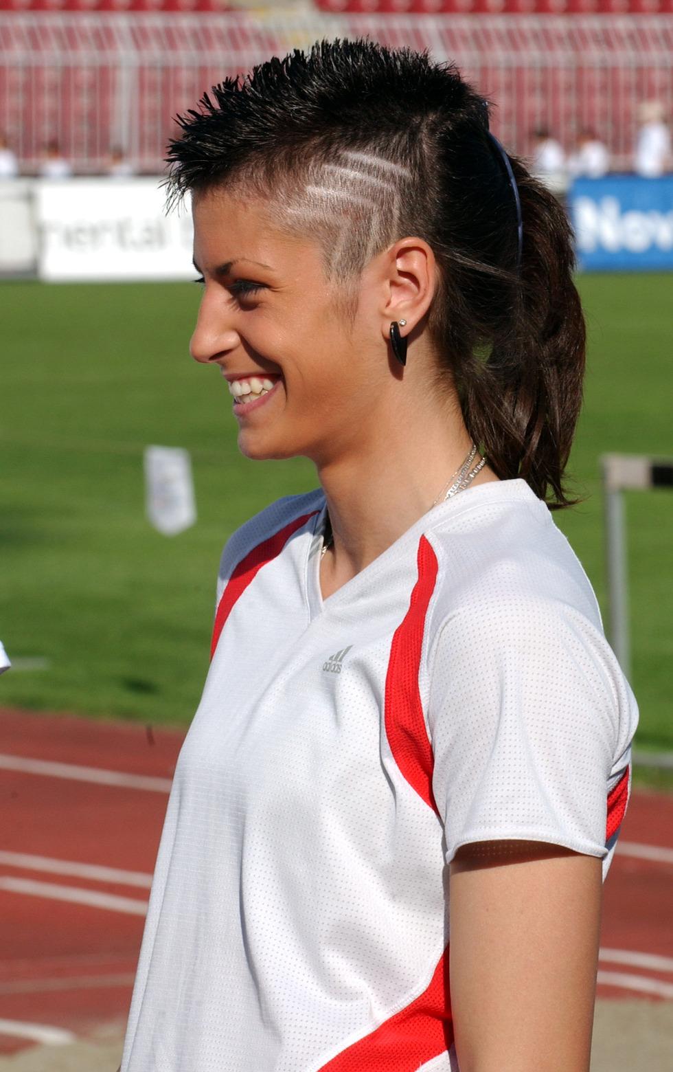 Ivana Španović, frizura
