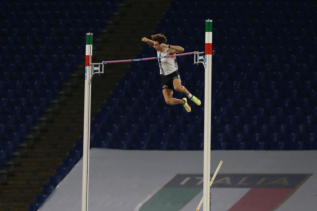 Armand Duplantis, svetski rekord u skoku sa motkom
